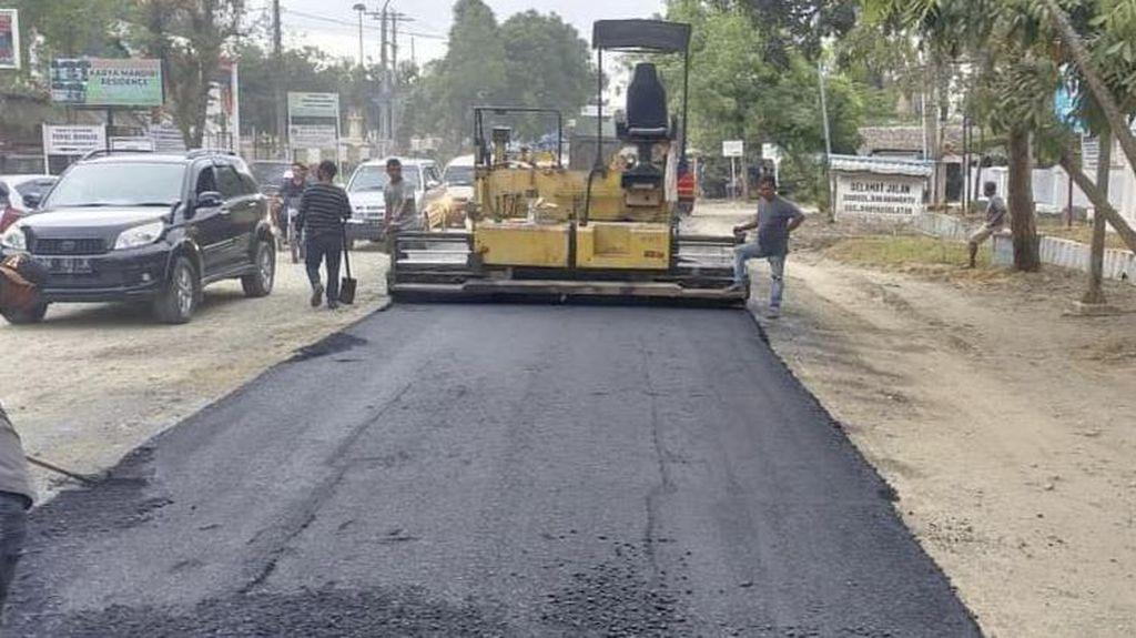 Jalan Rusak yang Dikeluhkan Warga Rantauprapat Sumut Mulai Diperbaiki