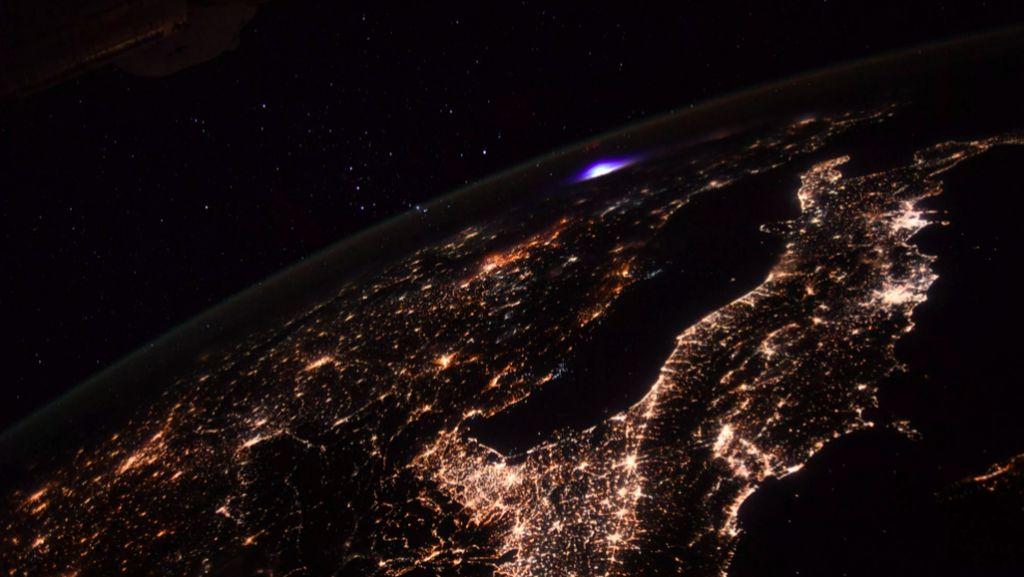 Astronaut Potret Kilatan Petir Langka dari Luar Angkasa