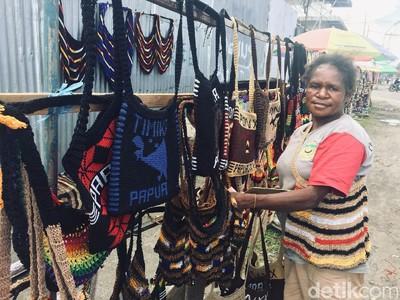 No Plastik-Plastik! Noken, Tas dari Serat Kayu Bikinan Perempuan Papua