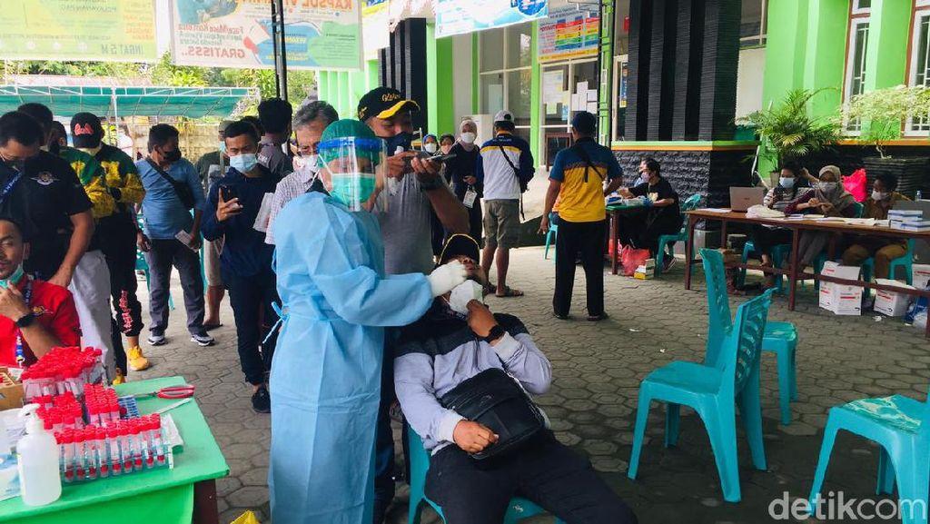 Rombongan Atlet PON Papua Tinggalkan Mimika, Pelayanan Swab PCR Melonjak