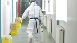 Kasus COVID-19 meningkat pesat di Rumania. Otoritas setempat pun akan menangguhkan kegiatan operasi non-darurat di rumah sakit untuk penanganan COVID-19.