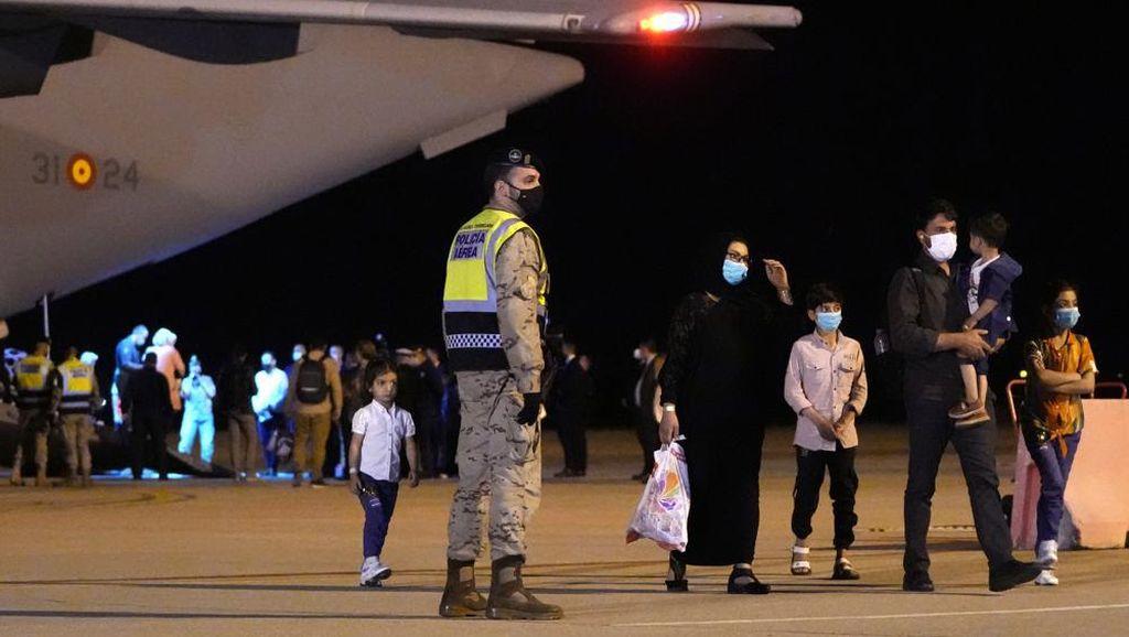 Spanyol Kembali Evakuasi 160 Warga Afghanistan via Pakistan