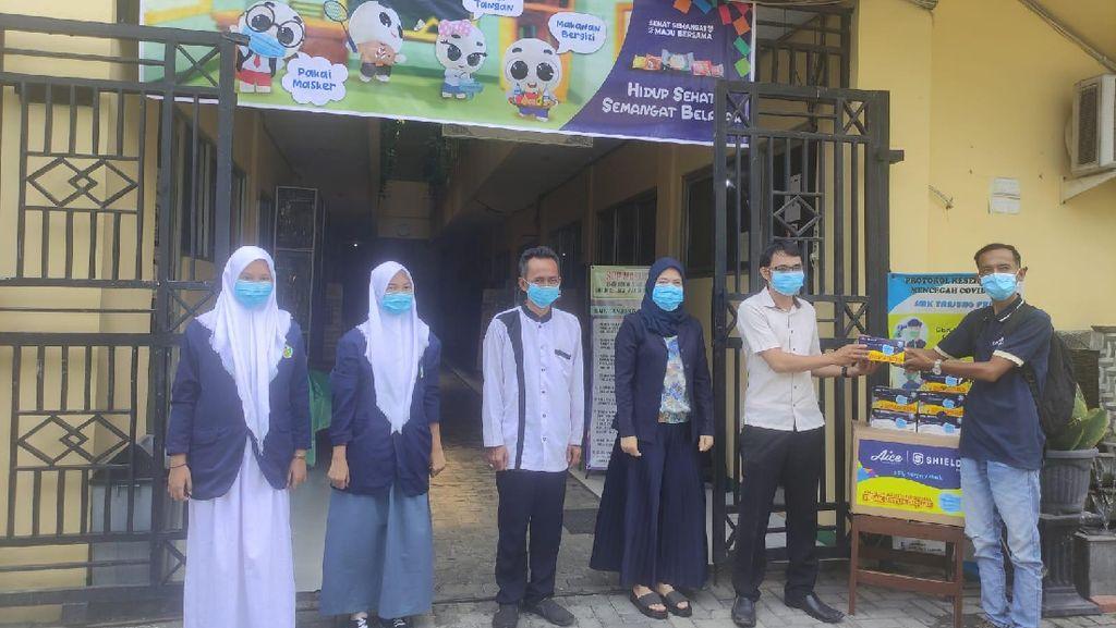 AICE dan Kemendikbud Sebar 2 Juta Masker ke Sekolah Se-Indonesia