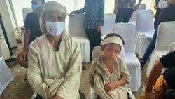 Vaksinasi COVID-19 juga menyasar masyarakat adat di Kabupaten Lebak, Banten, termasuk warga Suku Baduy. 1.000 masyarakat adat di Lebak kini telah divaksin.