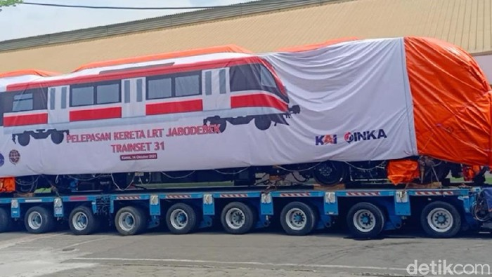 Buntut Tabrakan, Kereta LRT Jabodebek Pulang Kampung ke Madiun