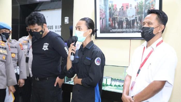 Konferensi pers insiden 'smackdown' oleh oknum polisi kepada seorang mahasiswa saat unjuk rasa di depan Pemkab Tangerang (Dok istimewa)