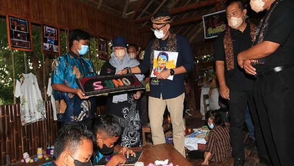 Hal itu dilakukannya saat mengunjung Desa Wisata Sumberbulu, Kabupaten Karanganyar, Jawa Tengah beberapa waktu lalu.