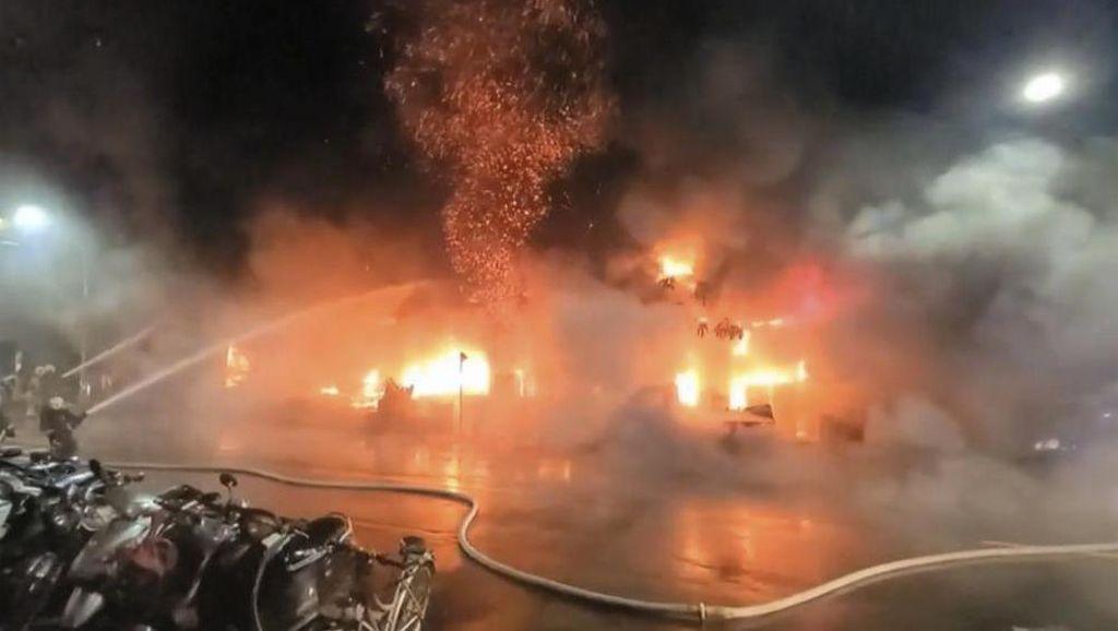 Gedung 13 Lantai Terbakar di Taiwan, 25 Orang Tewas dan Puluhan Luka-luka