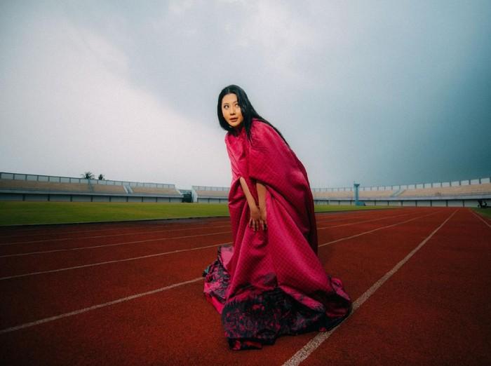 Thavita rilis single kuat