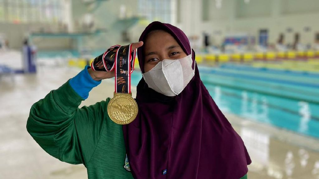 Mengenal Nafa Amadea Atlet Selam Berhijab Raih Medali Emas PON Papua 2021