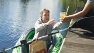 Cuma di Hamburg, Pesan Menu McDonalds Bisa dari Perahu di Atas Sungai!