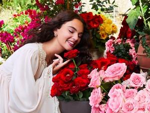 Penampilan Menawan Putri Monica Bellucci di Iklan Parfum D&G Terbaru