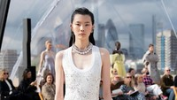 10 Koleksi Terbaru Alexander McQueen Spring/Summer 2022