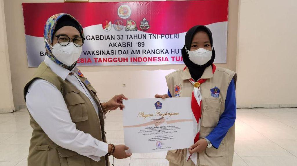 BNPB Beri Penghargaan ke 445 Relawan Prokes PON XX Papua