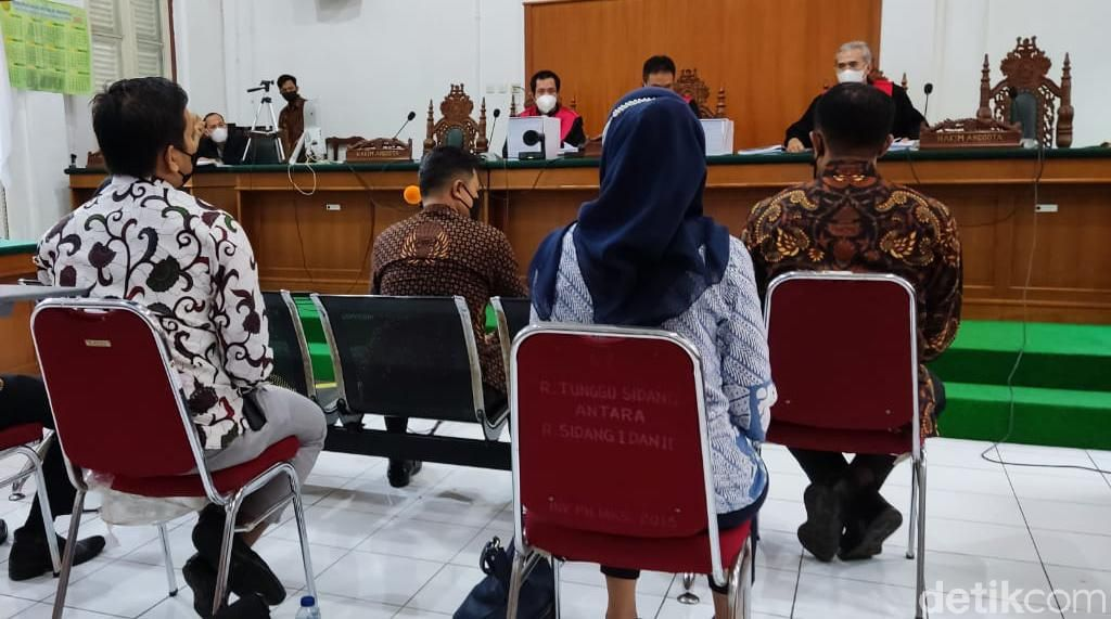 Eks Ajudan Cerita Momen Nurdin Abdullah Terima SGD 200 Ribu dari Kontraktor