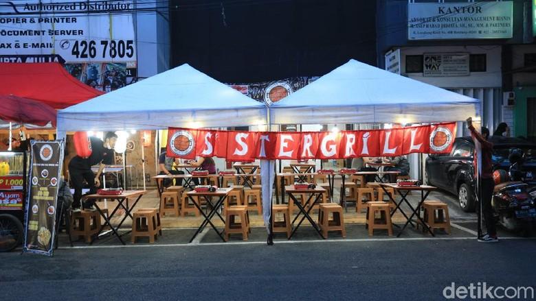 Serunya Jalan-jalan Sambil Kulineran Malam di Jalan Lengkong Kecil
