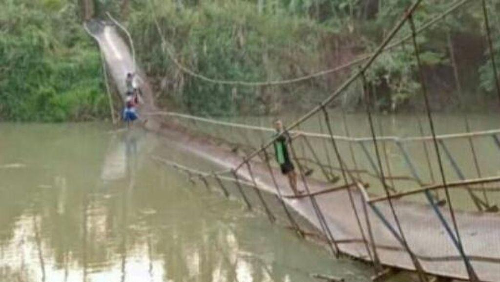 Jembatan Gantung yang Ambruk di Pandeglang Diduga Disabotase