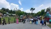 Potret Lembang Park and Zoo Ramai Wisatawan