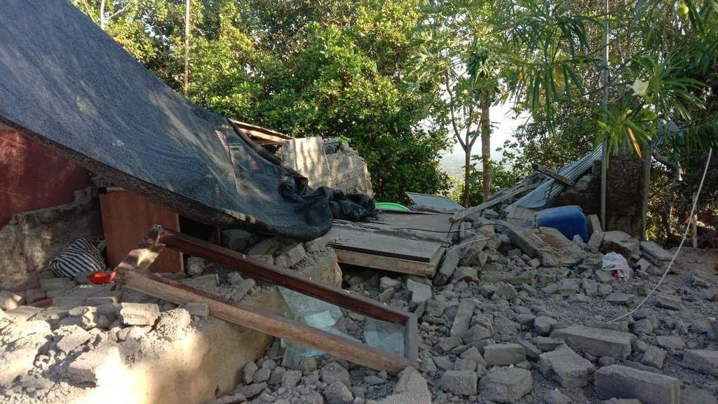 Potret Rumah Rusak-Tebing Longsor Dampak Gempa M 4,8 di Bali