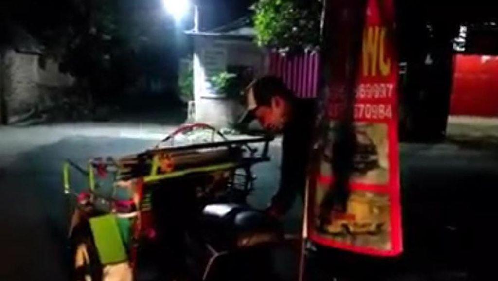 Selain Becak, Hantu Jahil di Ngawi Ini Juga Goda Tukang Ojek dan Delman