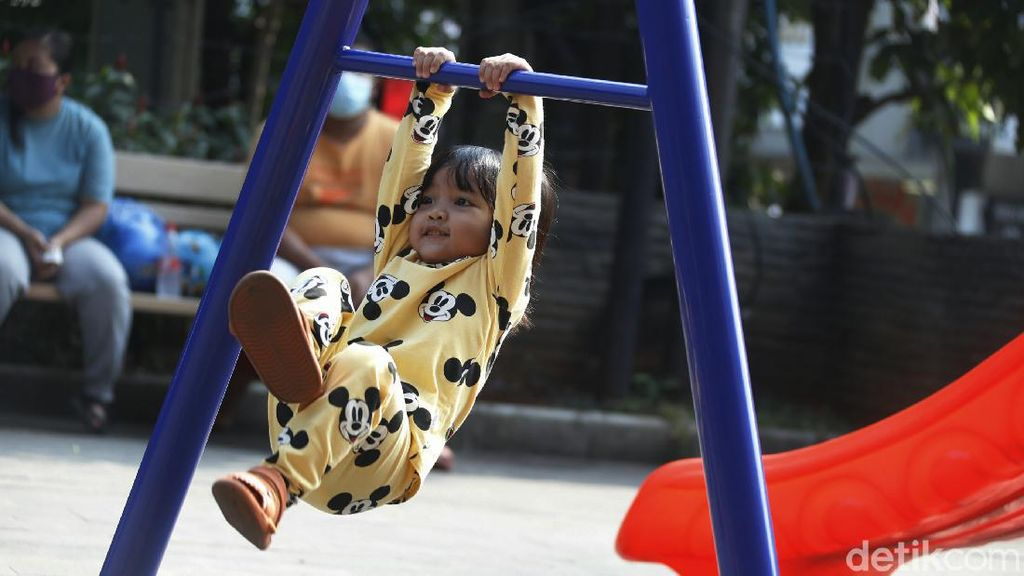 Akhir Pekan, Ruang Terbuka di Bekasi Ramai Didatangi Anak-anak