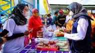 Vaksinasi COVID-19 di Banyuwangi Dipadu dengan Kuliner UMKM-Kesenian Rakyat