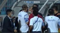 Panas Persib Vs Bhayangkara, Benarkah Pelatih Robert Diludahi?