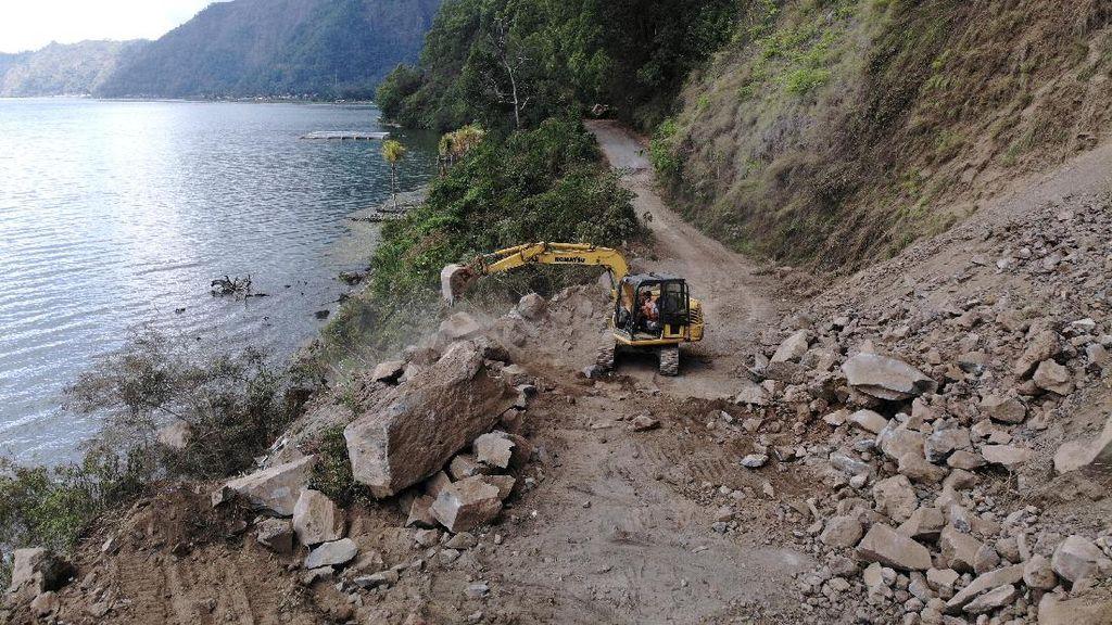 Waduh, Akses Jalan di Bali Tertutup Longsor Akibat Gempa