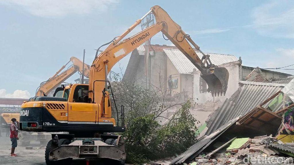 15 Rumah di Jalan Wonokromo Dibongkar untuk Pelebaran Jalan