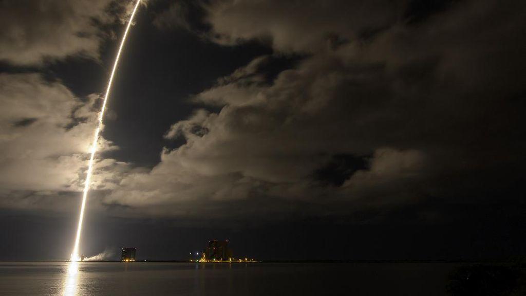 Foto NASA Kirim Lucy, Cari Rahasia Penciptaan Alam Semesta