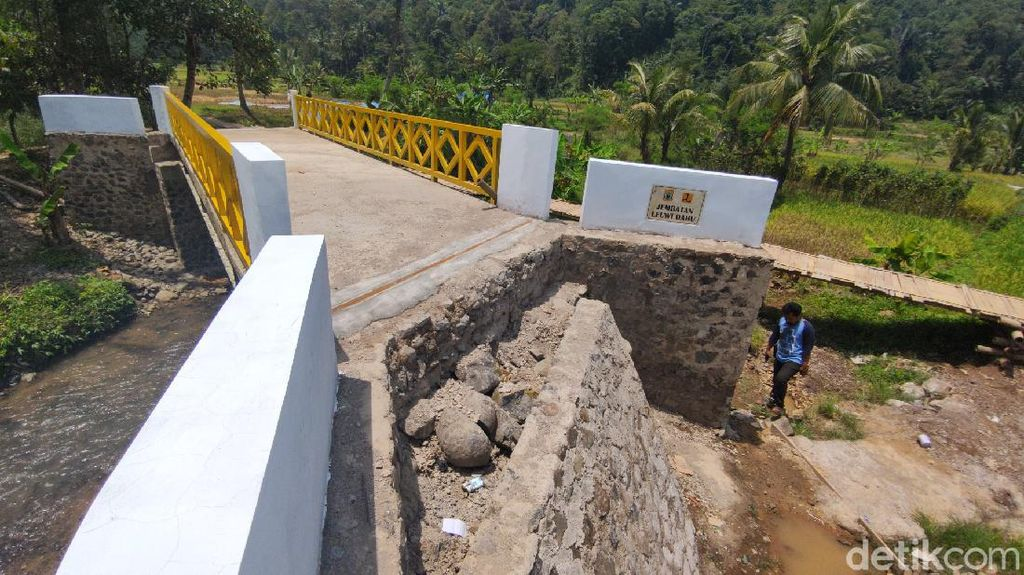 Aya-aya Wae! Jembatan Siluman di Cianjur Bikin Warga Bingung