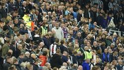 Duh! Ada Suporter Kolaps di Laga Newcastle Vs Tottenham