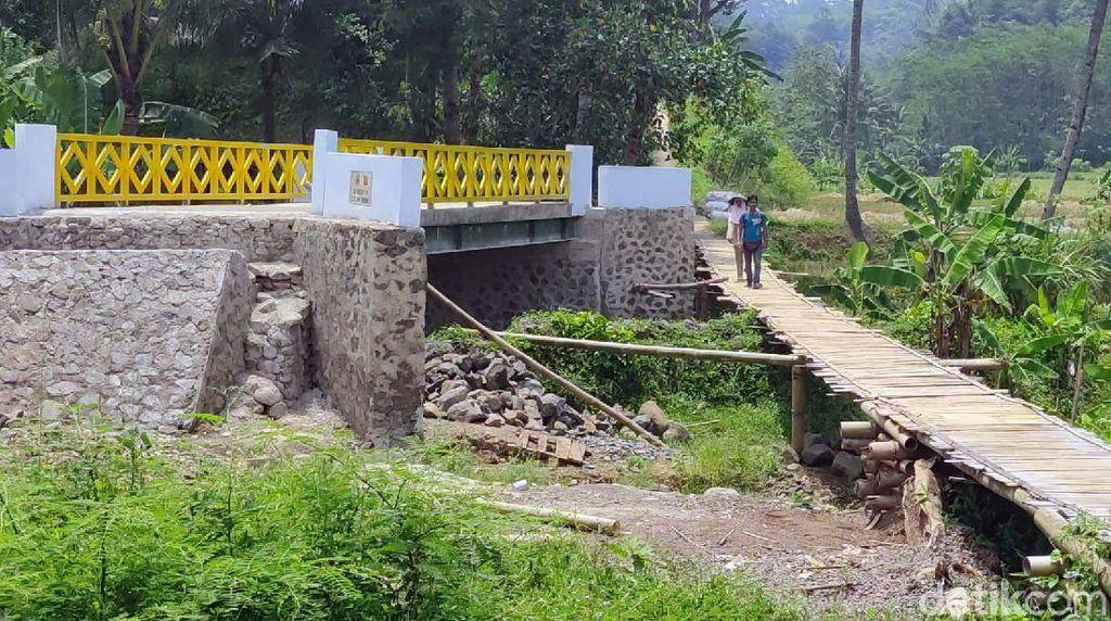 Heboh Jembatan Siluman di Cianjur, Buntung Tanpa Akses Jalan