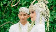 8 Potret Pernikahan Ridho DA, Wajah Istrinya Bikin Salfok Mirip Iparnya