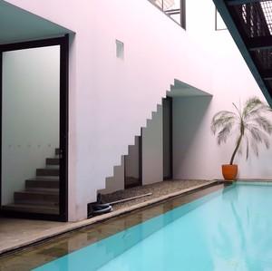 Potret Rumah Mewah Sammy Simorangkir, Serasa di Beverly Hills dan Santorini