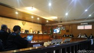 Terdakwa Korupsi Bansos KBB Akal-akalan Beri Fee 6 Persen ke Aa Umbara
