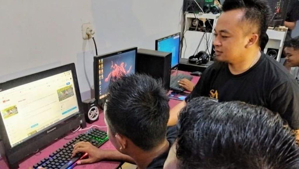 Cerita Pemuda Kampung YouTuber Raup Ratusan Juta Jadi Pegiat YouTube