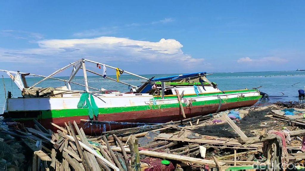 Kapal Rusak Akibat Puting Beliung, Nelayan di Bone Sulsel Butuh Bantuan