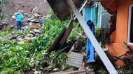 Longsor Terjang Satu Rumah Warga di Lembang Bandung