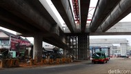 Melihat Pemasangan Girder Akses Tol Padaleunyi-Cisumdawu