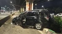 Mobil Terios Terbalik di Cempaka Putih Jakpus hingga Ringsek