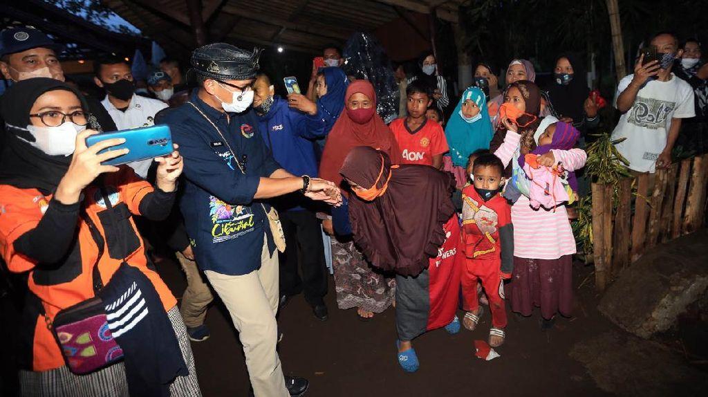Suka Cita Warga Garut Sambut Menteri Sandi