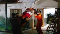 Viral Pria 120 Kg di Jaksel Dievakuasi Damkar Gegara Asam Urat-Darah Tinggi