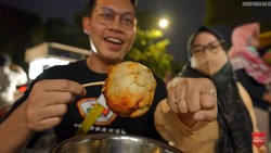 Ini 5 Momen YouTuber Beli Makanan Porsi Banyak Dimasak Sekaligus