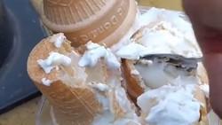 Cara Baru Makan Es Krim McD Viral di TikTok, Sampai ke Thailand dan Korea