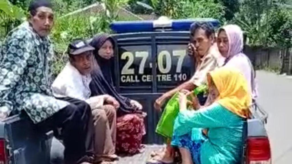 Jemput Bola Vaksinasi Warga Pelosok di Tasikmalaya