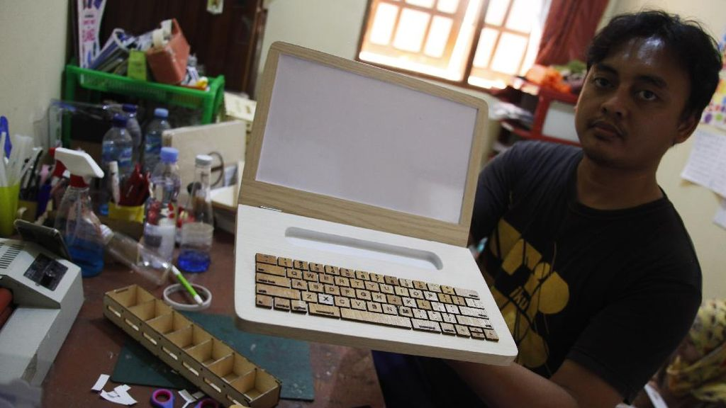 Ini Lho Mainan Edukasi Laptop Kayu