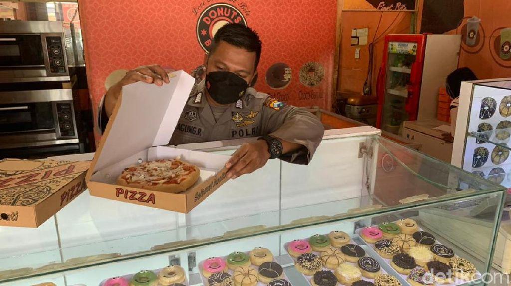 Polisi di Sidoarjo Ini Jago Bikin Donat hingga Kulit Pizza