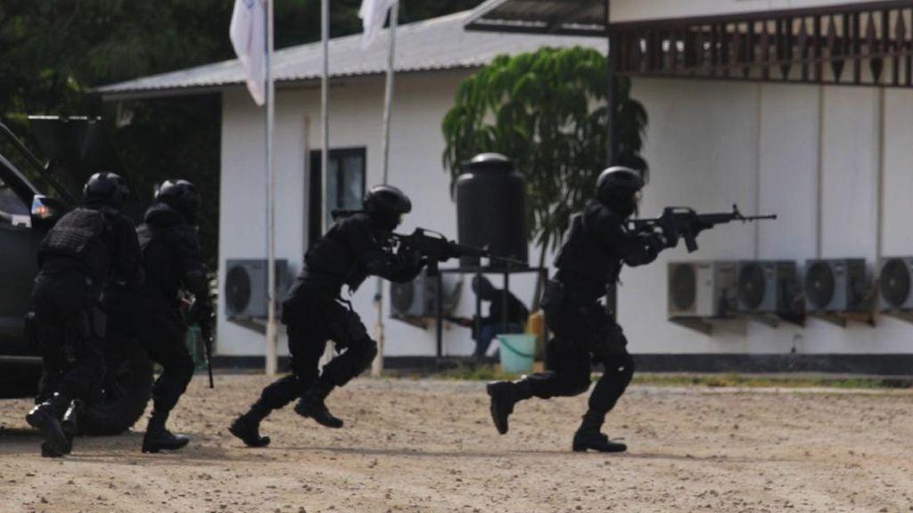 Dor Dor Dor! Aksi Raider 509 Selamatkan Operator Tambang Emas dari Teroris