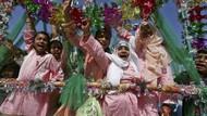Suka Cita Warga Pakistan di Tengah Perayaan Maulid Nabi